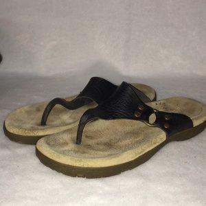 ❤️TAOS FOOTWEAR GWEN SANDAL ~ 8